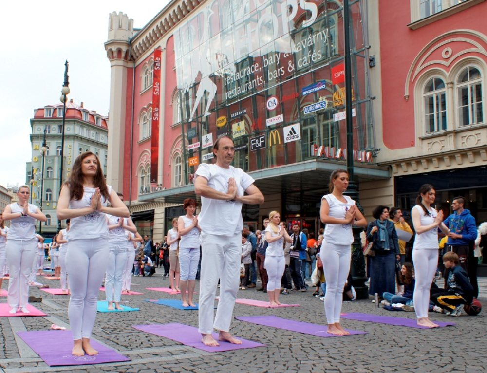 The Great Yoga Performance in Prague, 2016