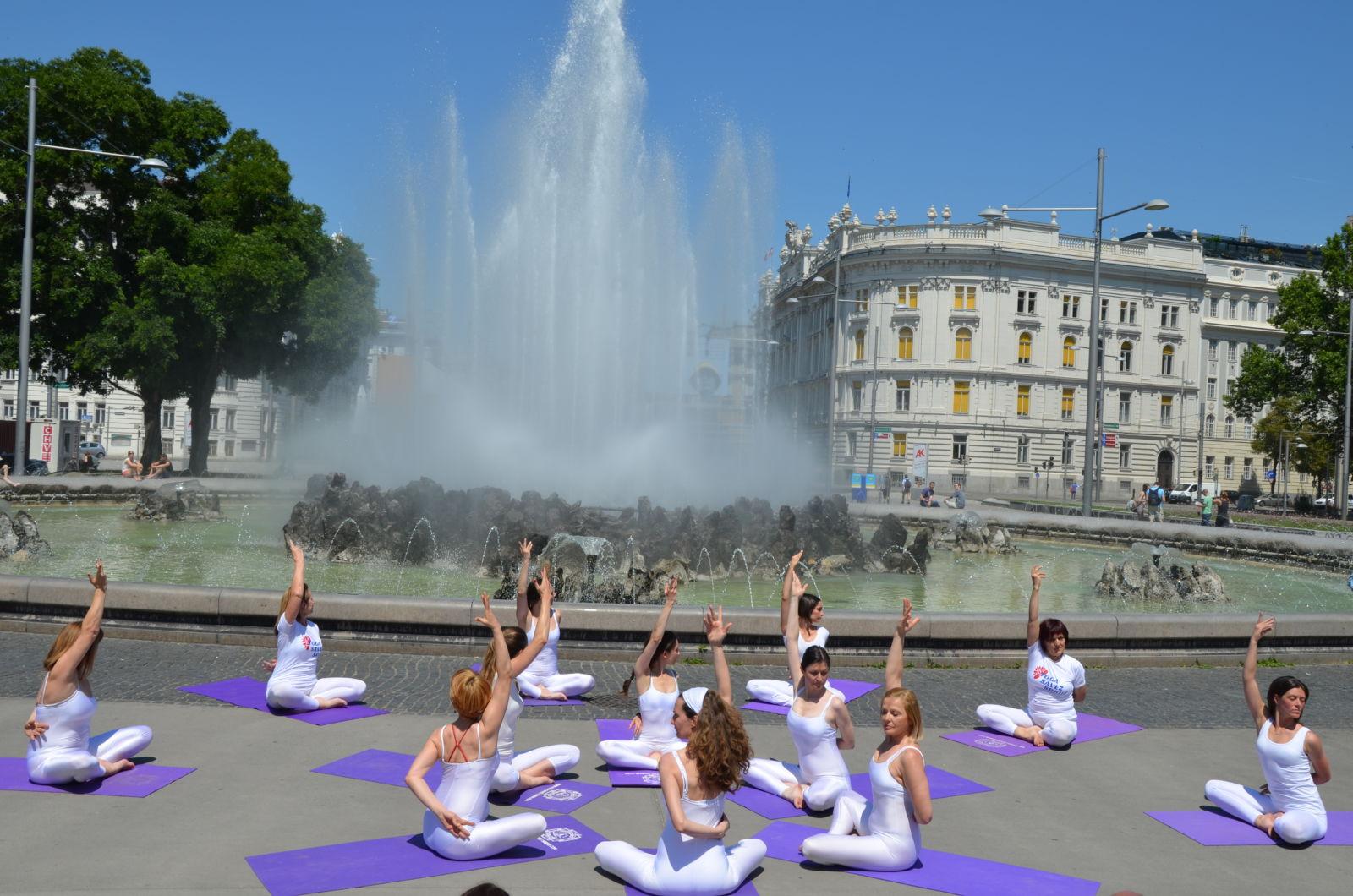 Ausbildung zum yoga lehrer zur yoga lehrerin in wien for Dekorateurin ausbildung wien