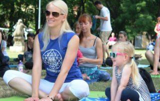 Cvicte-jogu-s-nami-v-Parku-na-Kampe