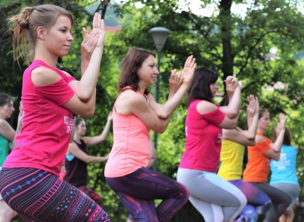 Lekce jogy zdarma v Karlovych Varech - Cvicte jogu s nami 2020